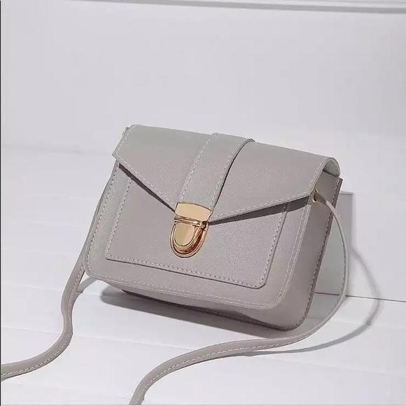 Handbags - Grey or yellow messenger bag